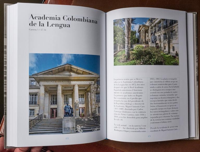 """Doble página del libro """"El río que corre"""" dedicada a la Academia Colombiana de la Lengua"""